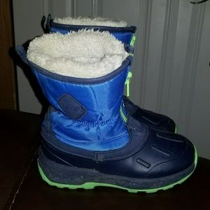 Carters toddler boys size 11 snow boots
